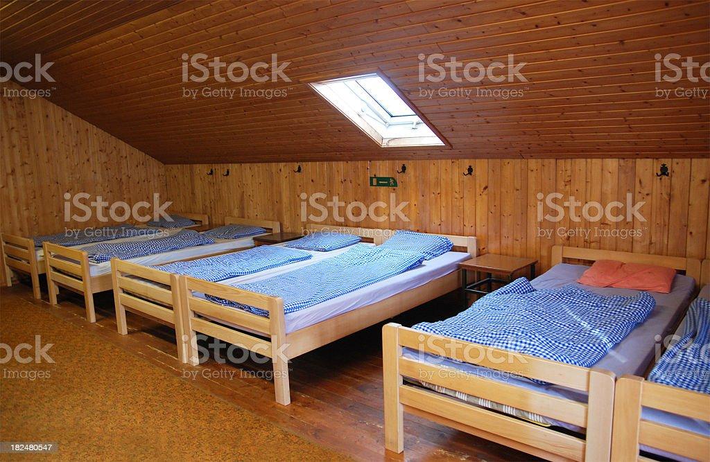 Matratzenlager  Clear Inn Room At Youth Hostel Or Dav Matratzenlager stock photo ...