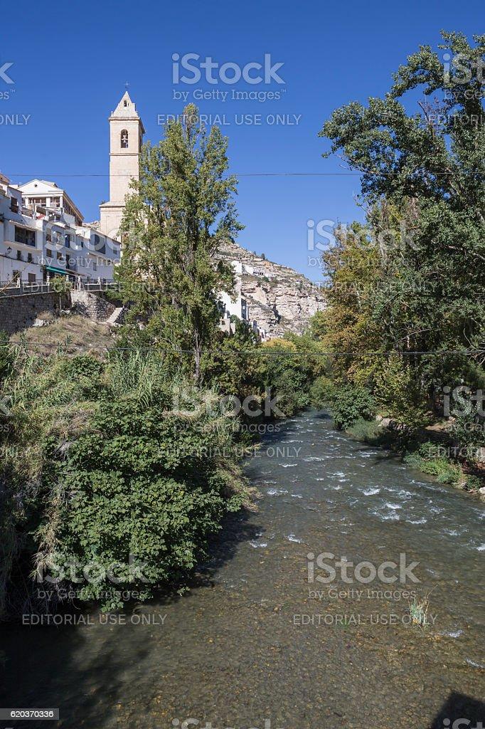 Clear waters of the river Jucar on the Roman bridge zbiór zdjęć royalty-free