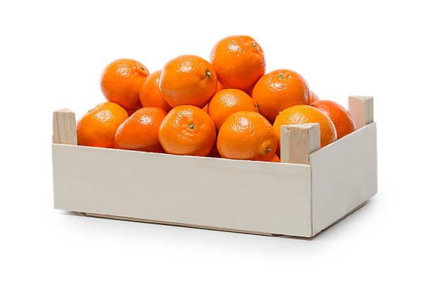 Clementines in kleine Holzkiste – Foto