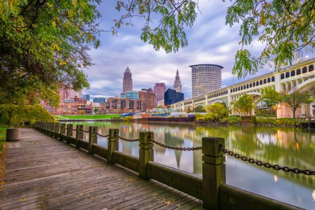 Cleveland, Ohio, USA Downtown Skyline Cleveland, Ohio, USA downtown skyline on the Cuyahoga River at dusk. ohio stock pictures, royalty-free photos & images