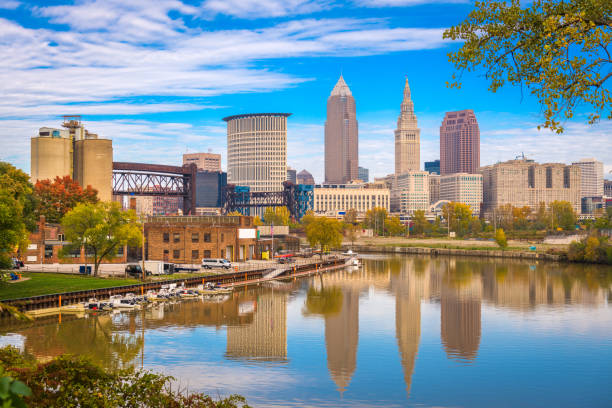 Cleveland, Ohio, USA Skyline am Cuyahoga River. – Foto