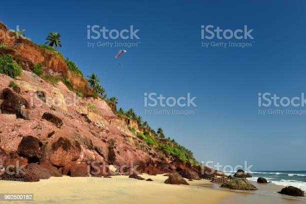 Foto de Praia Da Ribanceira Em Varkala Kerala Índia e mais fotos de stock de Areia