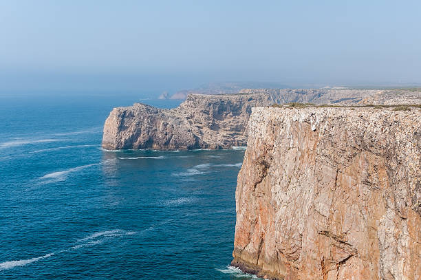 Cliff shore de cabo St. Vincent en Portugal - foto de stock
