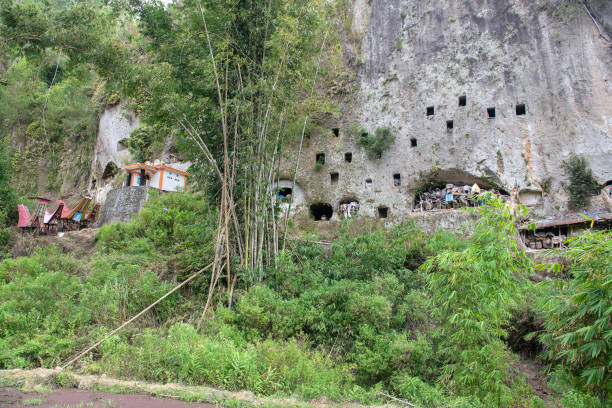 Klippen Grabstätte, traditionelle Grabstätte in Tana Toraja – Foto