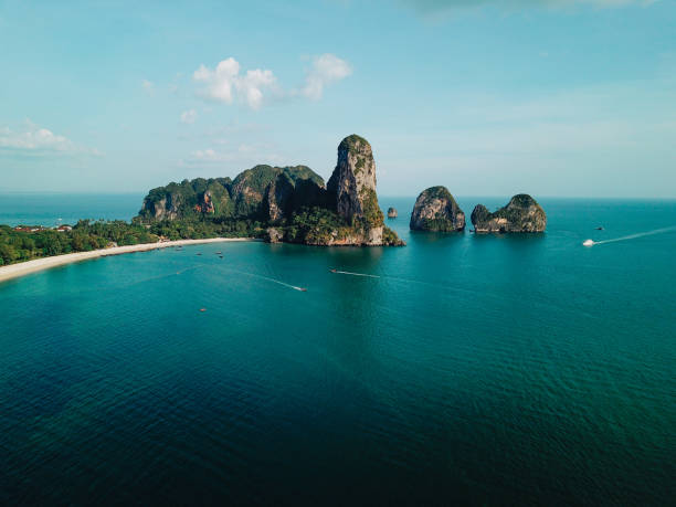 Cliffs by the Railay beach, Krabi province, Thailand Aerial high angle view of the sandy coastline near Railay beach, in the Krabi province, Thailand. thailand stock pictures, royalty-free photos & images