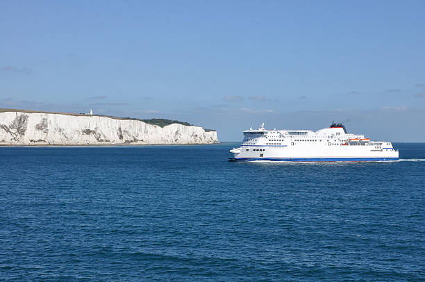 cliffs of dover - english channel stock pictures, royalty-free photos & images
