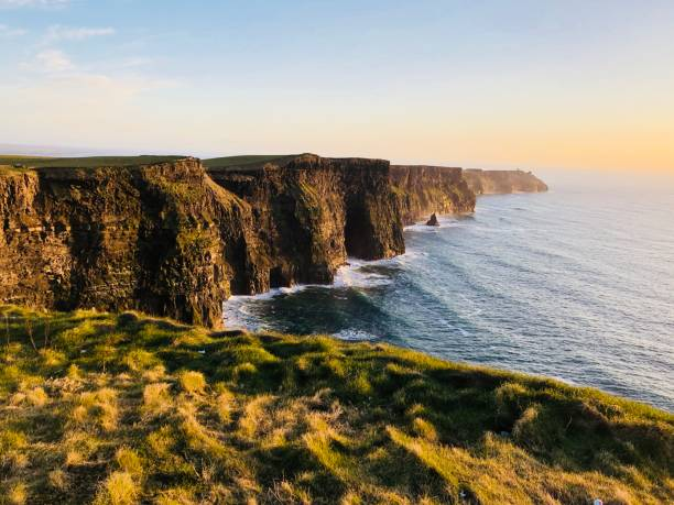 cliffs of moher, co. clare, ireland - cliffs of moher stock pictures, royalty-free photos & images
