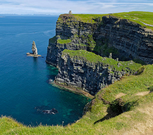 cliffs of moher in ireland - county clare stock pictures, royalty-free photos & images