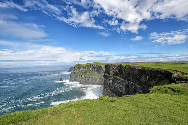cliffs of moher - cliffs of moher stock pictures, royalty-free photos & images