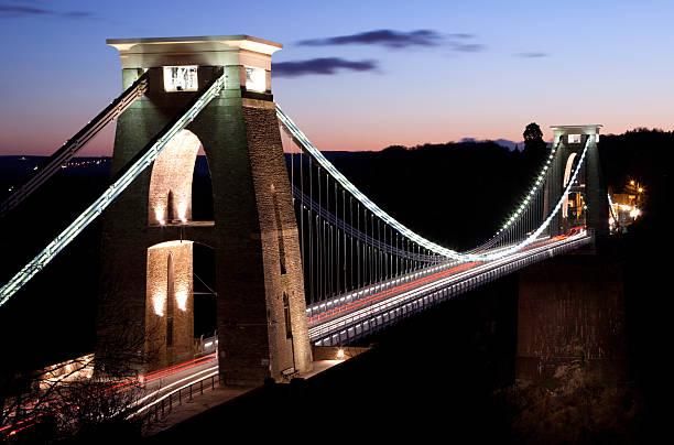 Clifton-Hängebrücke überkreuzten von Autos – Foto