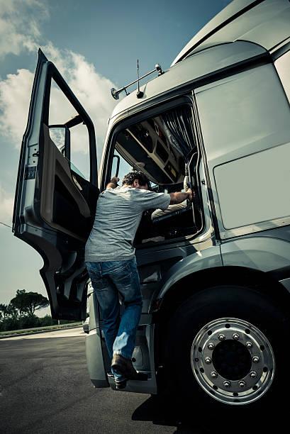 Klettern in den Truck – Foto