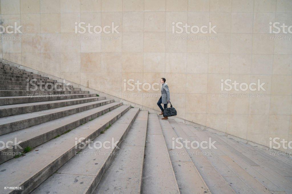 Klettert die Treppe zum Erfolg – Foto