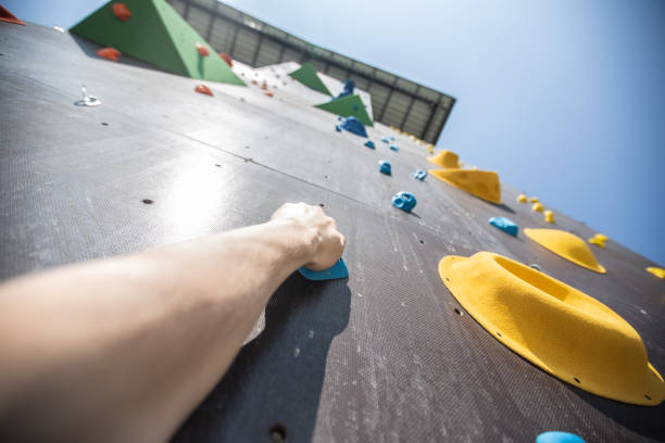 Climbing wall Hard way obstacle course stock pictures, royalty-free photos & images