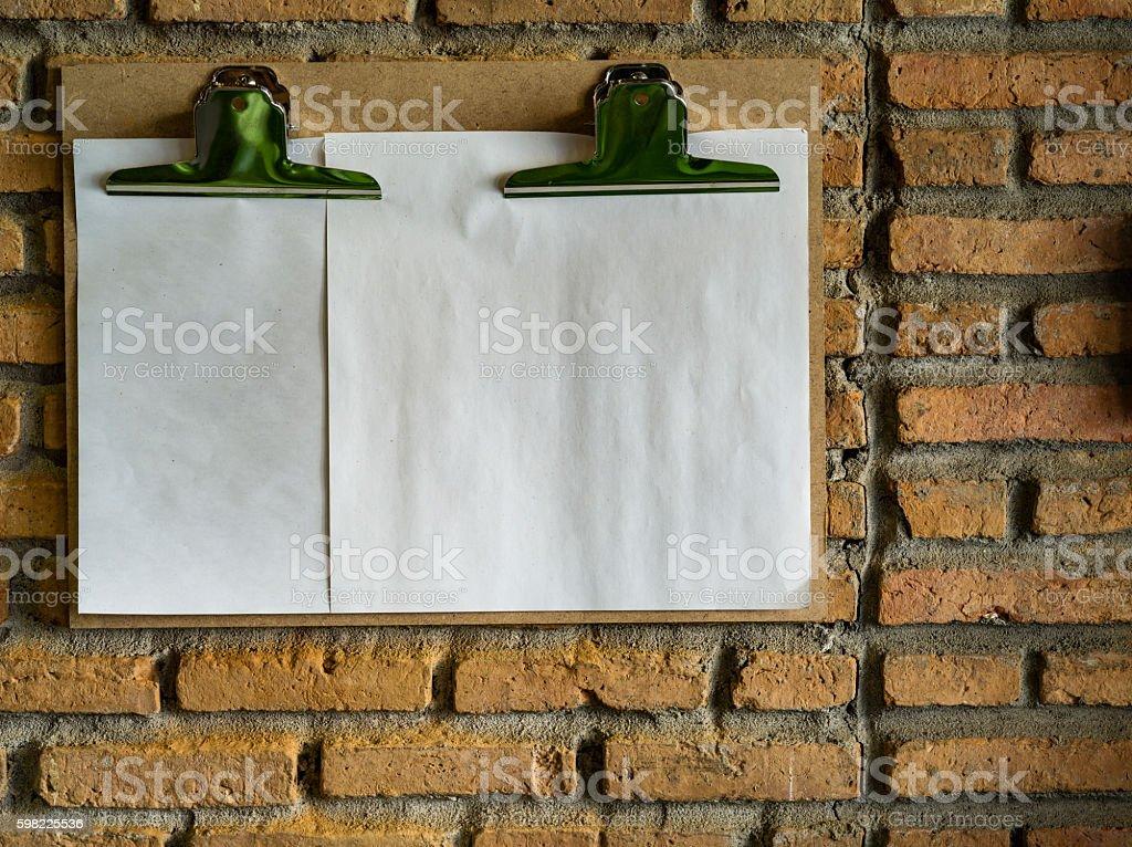 Área de transferência com uma folha de papel foto royalty-free