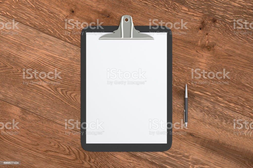 Klemmbrett mit leeren Weißbuch Lizenzfreies stock-foto