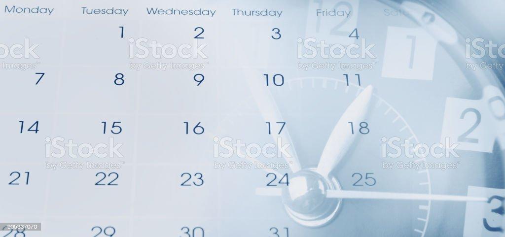 Uhr und Datumsanzeige – Foto