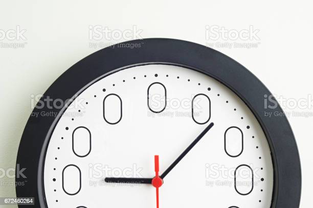 Clock Face To Illustrate Concept Of Zero Hour Employment Contracts Stock Photo - Download Image Now