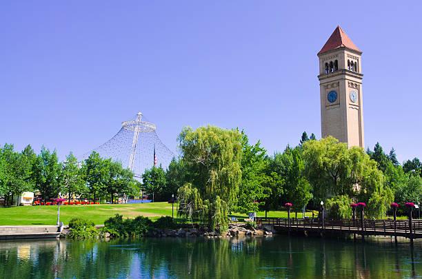 Torre do relógio no Riverfront Park em Spokane, WA - foto de acervo