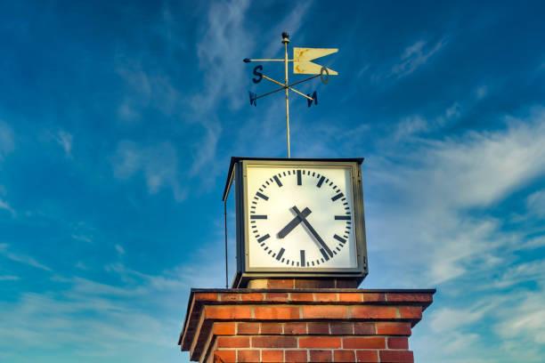 clock tower in the coastal village bansin on the island usedom, germany. - last minute urlaub deutschland stock-fotos und bilder