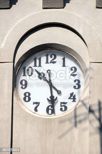 671883446 istock photo Clock tower 637370024