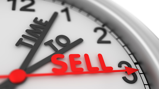Clock with words Time to Sell. Business time. Buy and sell concept. Stock market trade 3d illustration..