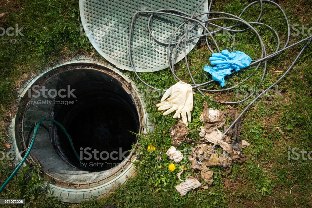 Clogged septic tank - foto de stock