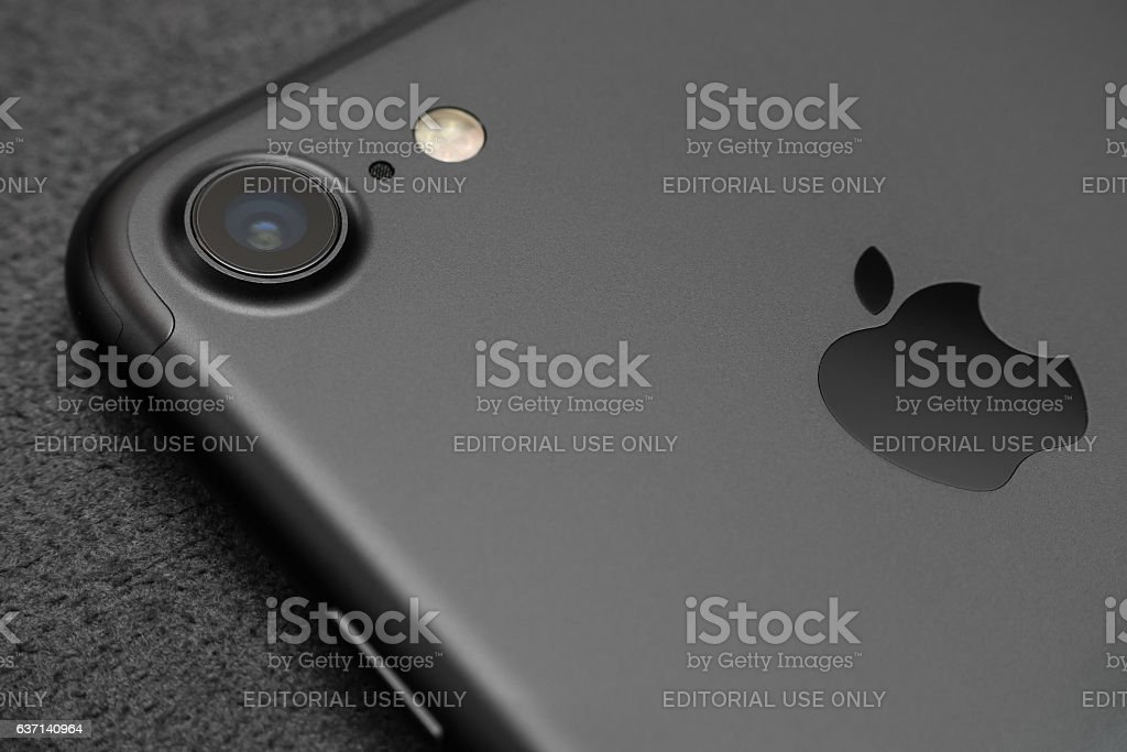 Close up camera lens view iPhone 7 black color. - Foto stock royalty-free di Acqua