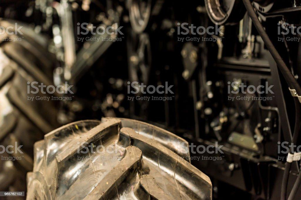 Dicht tot combineren harvester op grote industriële plant - Royalty-free Apparatuur Stockfoto