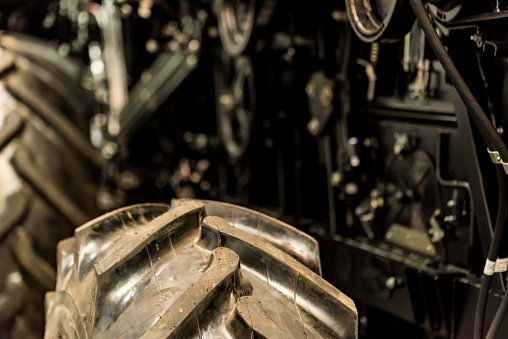 Dicht Tot Combineren Harvester Op Grote Industriële Plant Stockfoto en meer beelden van Apparatuur