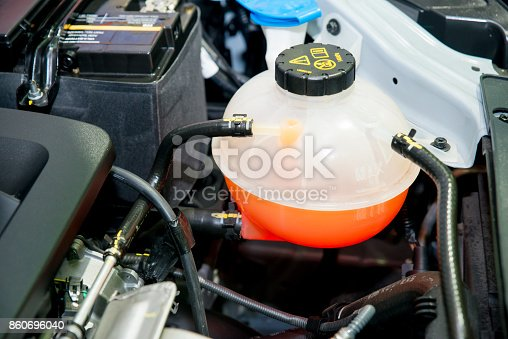 istock Close up Coolant container in a car's engine bay 860696040