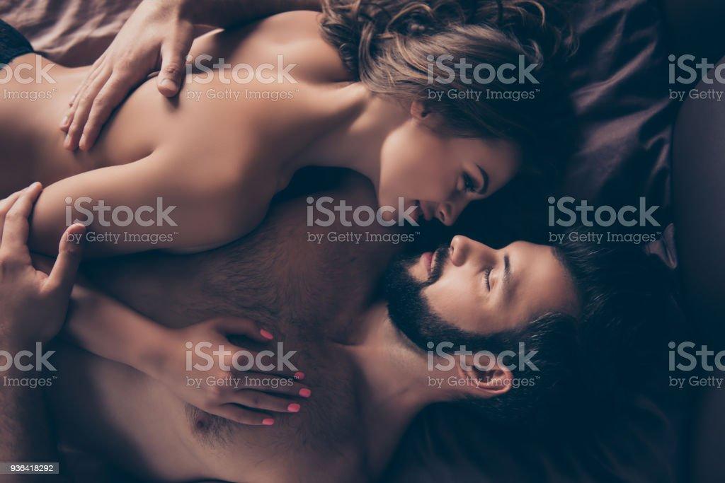 Cerrar Recorte Foto De Impresionante Morenaza Desnuda Sexy Joven