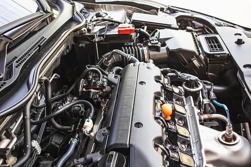 Close Up Detail Of New Car Gasoline Engine Backgrounds - zdjęcia stockowe i więcej obrazów Benzyna