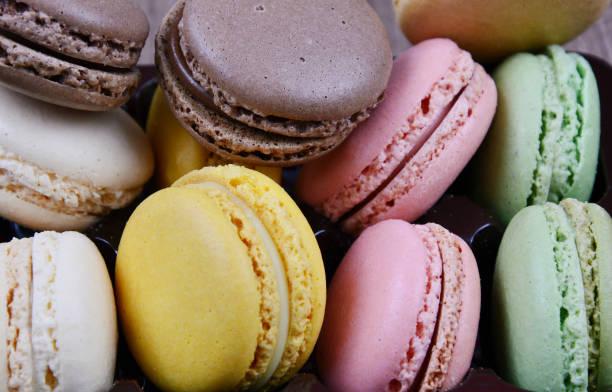 close-up de macaron fresco - macaroon - fotografias e filmes do acervo