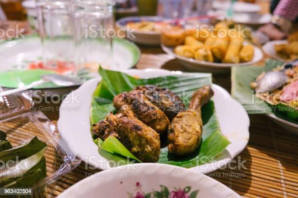 Z Bliska Grillowany Kurczak - zdjęcia stockowe i więcej obrazów Barbecue