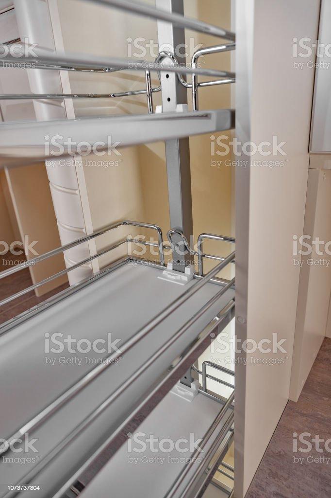 Close Up Wohngebäude Küche Geöffnete Tür Mit Chrom Möbel ...