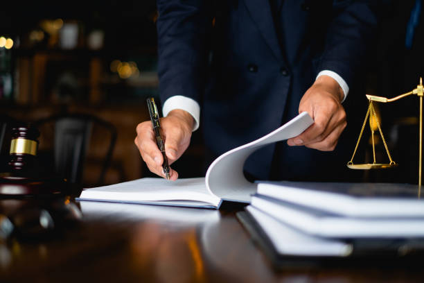 A Guide To Finding The Right Employment Lawyer