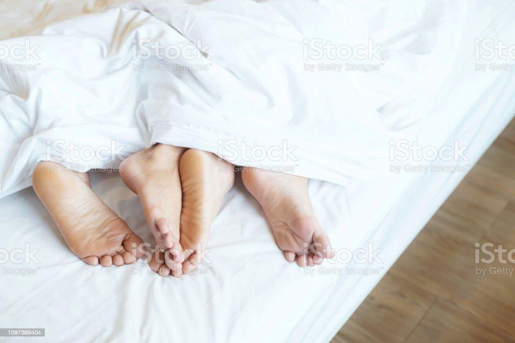 Deux couples côte à côte