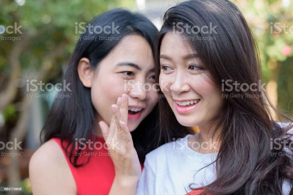 Close up lifestyle portrait Asian woman of best friends foto stock royalty-free
