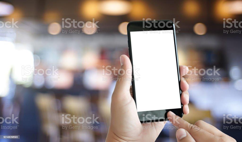 Hände des Mannes mit Smartphone-Technologie und Handy-Technologie-Trends hautnah – Foto