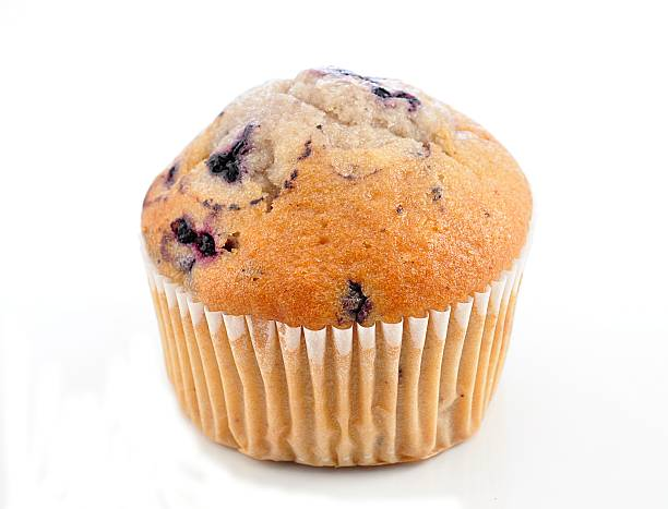 close up of a blueberry muffin - muffin stockfoto's en -beelden