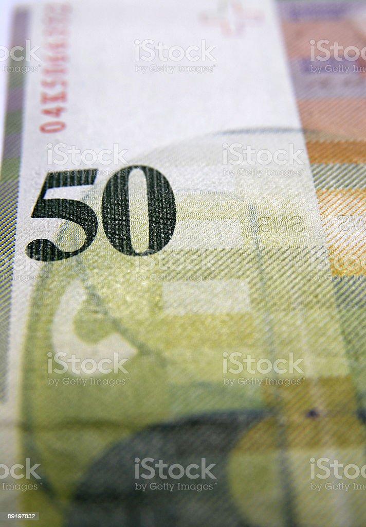Primo piano di una banconota da 50 Valuta svizzera foto stock royalty-free