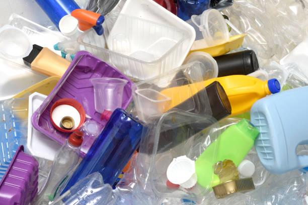 cerca de un plástico reciclado - foto de stock