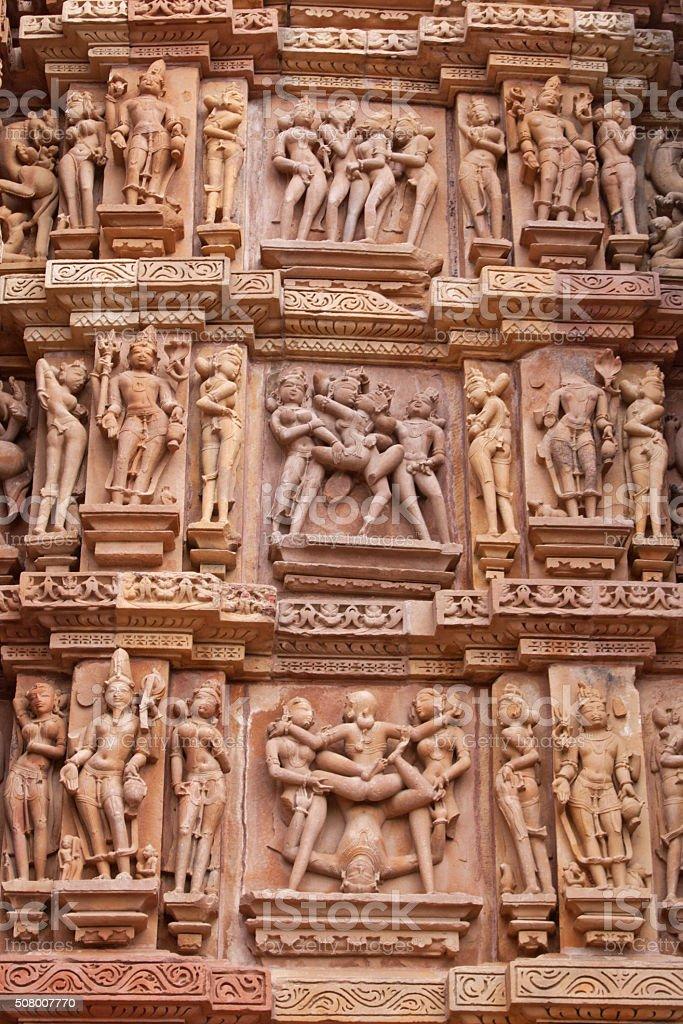 SUPERMAN EN EL PUNTO DE MIRA Close-up-of-ancient-carvings-depicting-sexual-acts-india-picture-id508007770