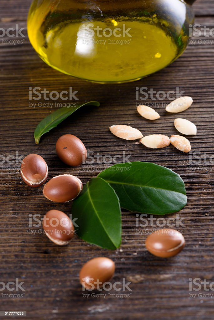 Close up of Argan fruits and oil - foto stock