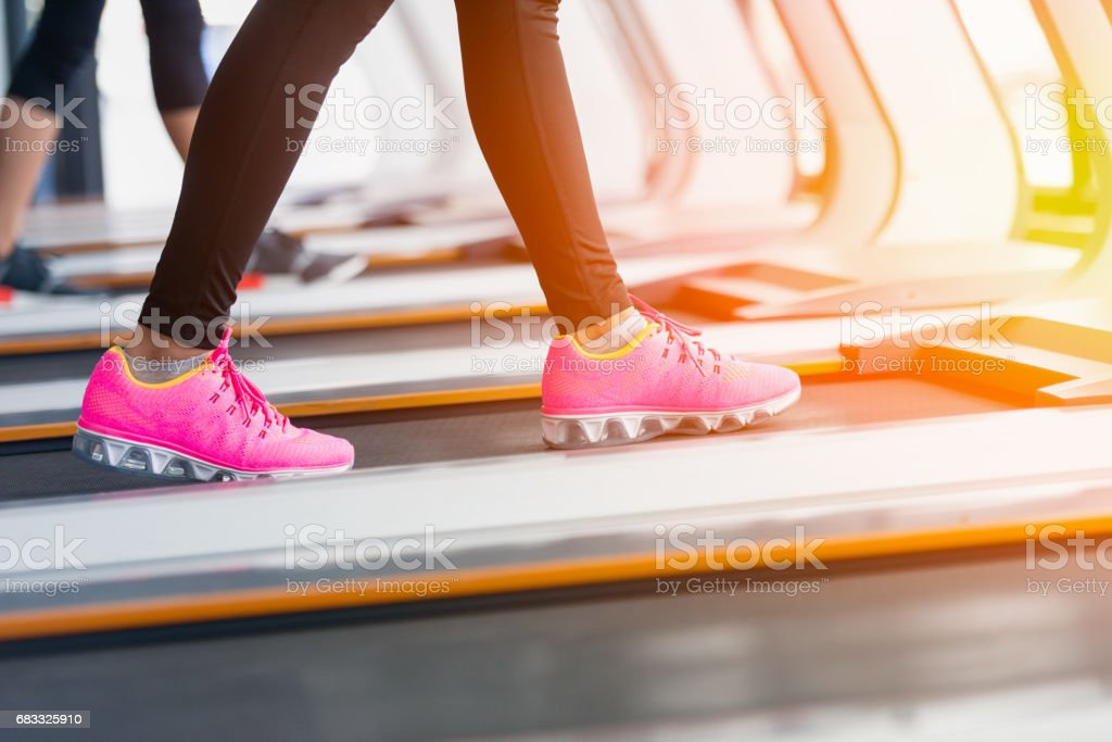 Close up of Asian woman exercise active in gymnasium foto stock royalty-free