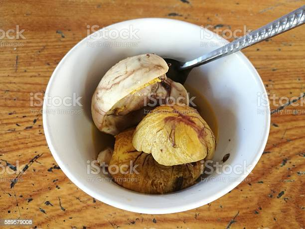 Close up of balut special cuisine in asia countries picture id589579008?b=1&k=6&m=589579008&s=612x612&h=kvdxtswohi1frn8q4r0zxpxmnbl3ce i0ub6vstezuu=