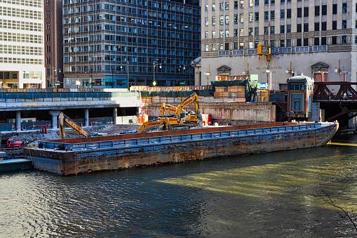 Nahaufnahme Von Kahn Neben Einer Baustelle In Downtown Chicago Randolph Und Wacker Stockfoto und mehr Bilder von Architektur