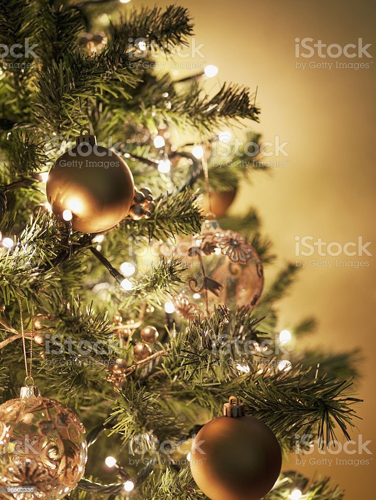 Close-up de Natal com enfeites de árvore - foto de acervo