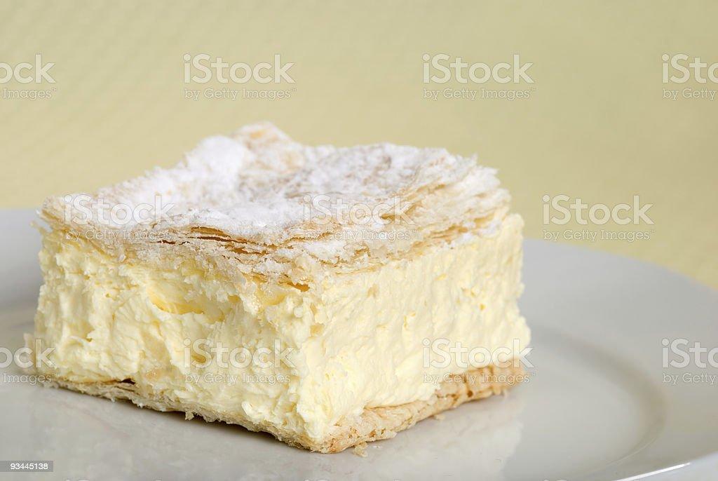 Nahaufnahme von Pudding Kuchen Platz auf einer Platte Lizenzfreies stock-foto