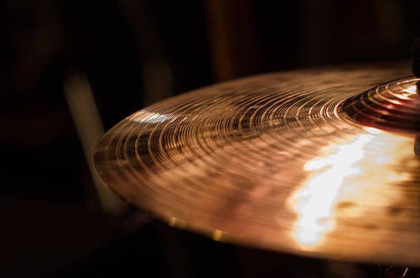 close up of cymbal on drumkit, on the right - schlagzeuge stock-fotos und bilder